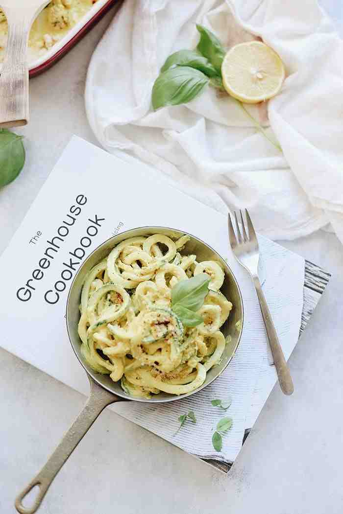 Mac and cheese just got a healthy makeover with this spiralized zucchini mac and cheese recipe! Seasonal zoodles are coated with a vegan cheeze sauce and topped with a delicious oat crumble for your next weekday dinner!